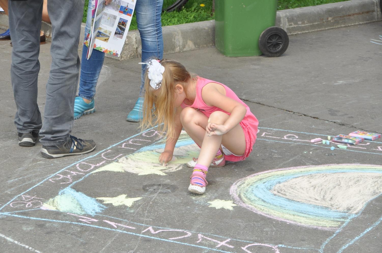 Смотреть как писают женщины, Девушки и женщины писают и ссут на улице и природе 1 фотография