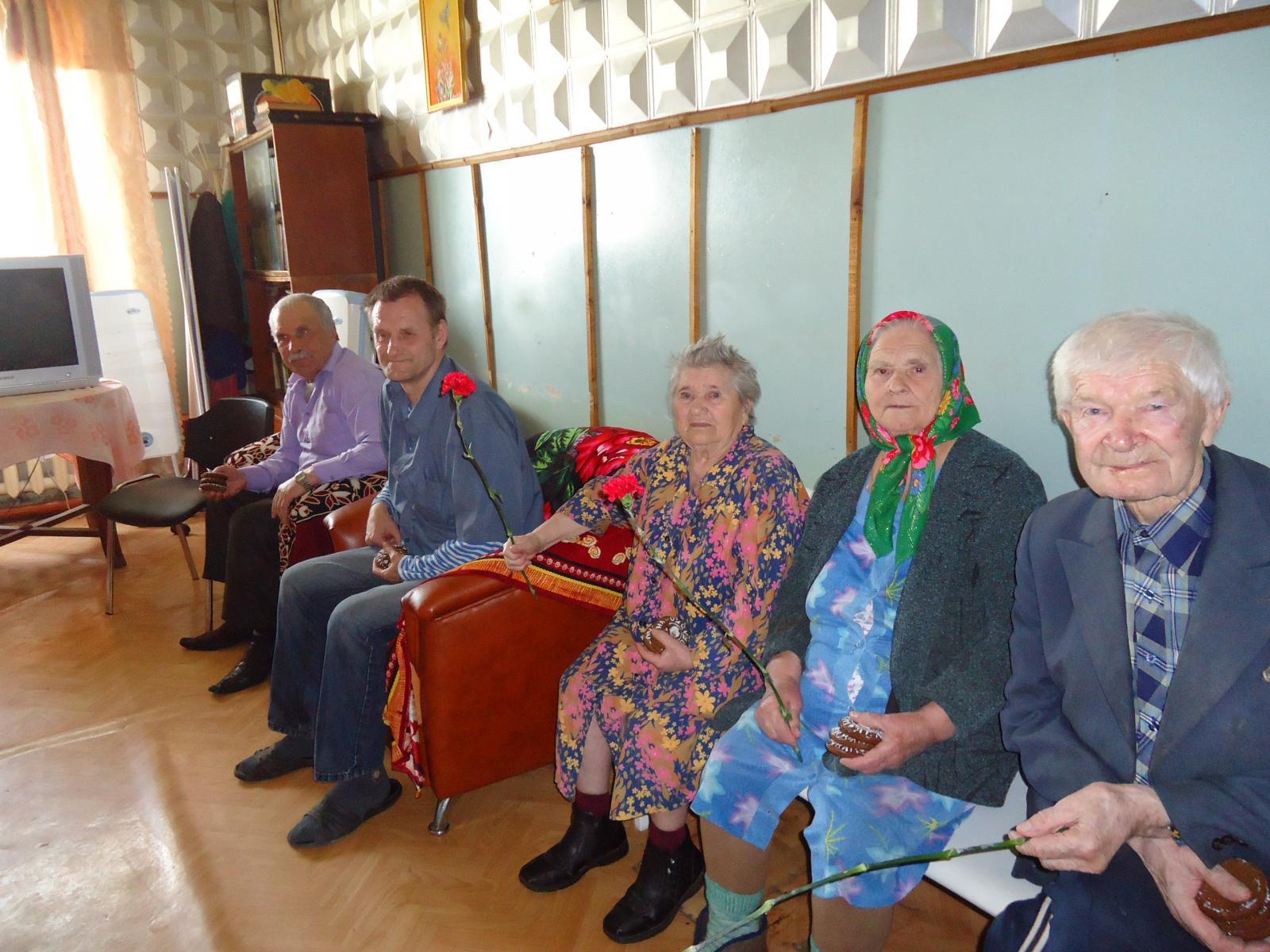 Помочь дому престарелых новый год частный дом для пожилых людей московская область